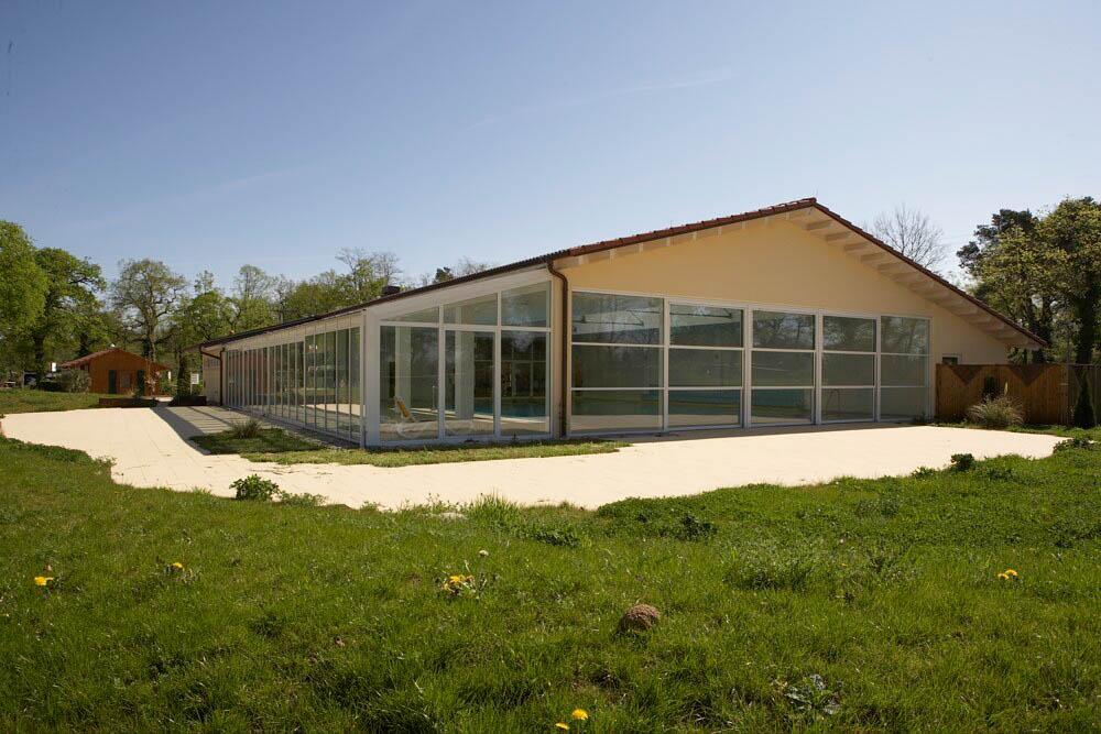 X9m7505-7 - Schwimmhalle Campingplatz Neuenburg
